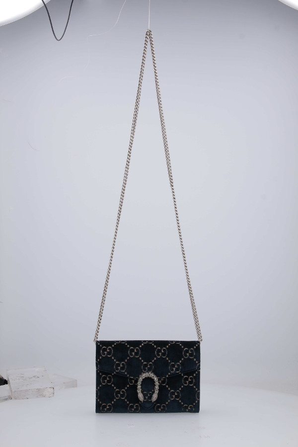 bag hanging
