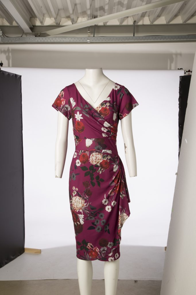 Lady_V_Bordeaux_bouquet_Elsie_Dress